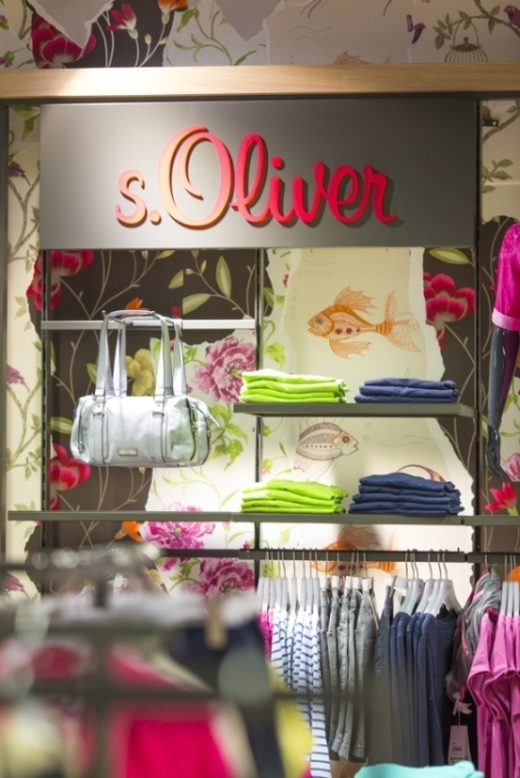 Fashion Stores - s.Oliver.